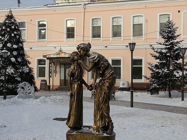 sculpture-989708_640