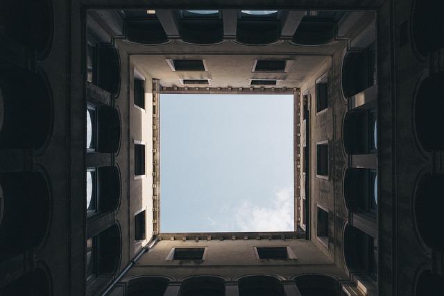 square-984205_640