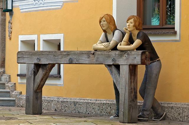 sculpture-368684_640