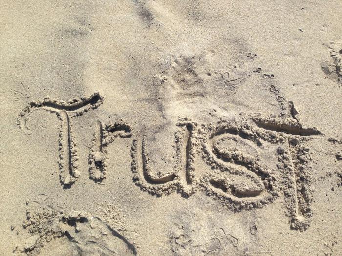 trust-1418901_960_720 (1)