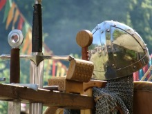 knight-697743_640