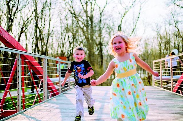 kids-running-348159_640